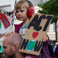 Hogyan közöljük a gyerekekkel, hogy a bolygónak kampec?
