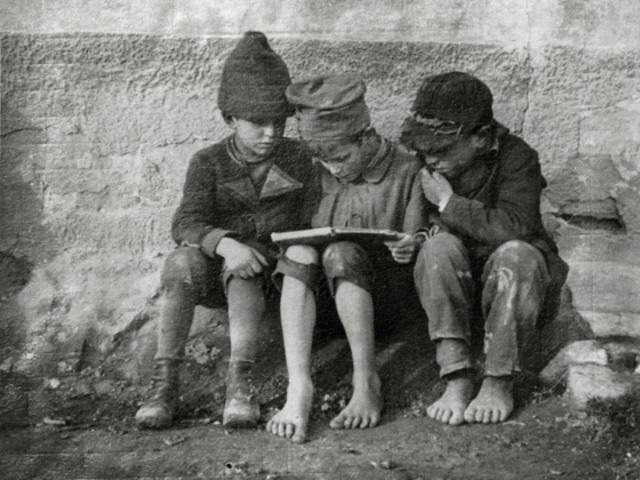 Olvasás a tudás atyja - olvasatlanság meg a halála