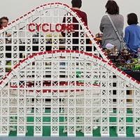 Óriási LEGO hullámvasút
