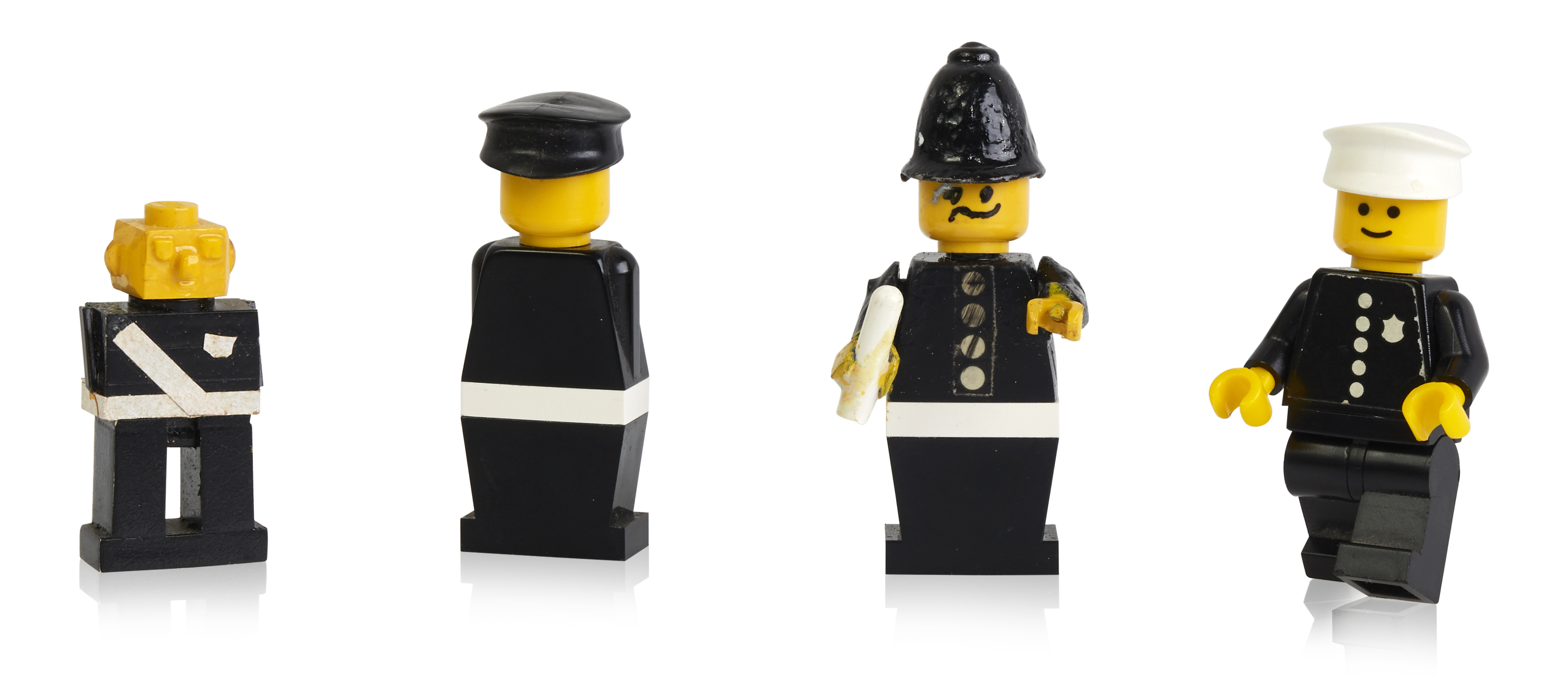 early-prototypes-and-first-police-minifigure.jpg