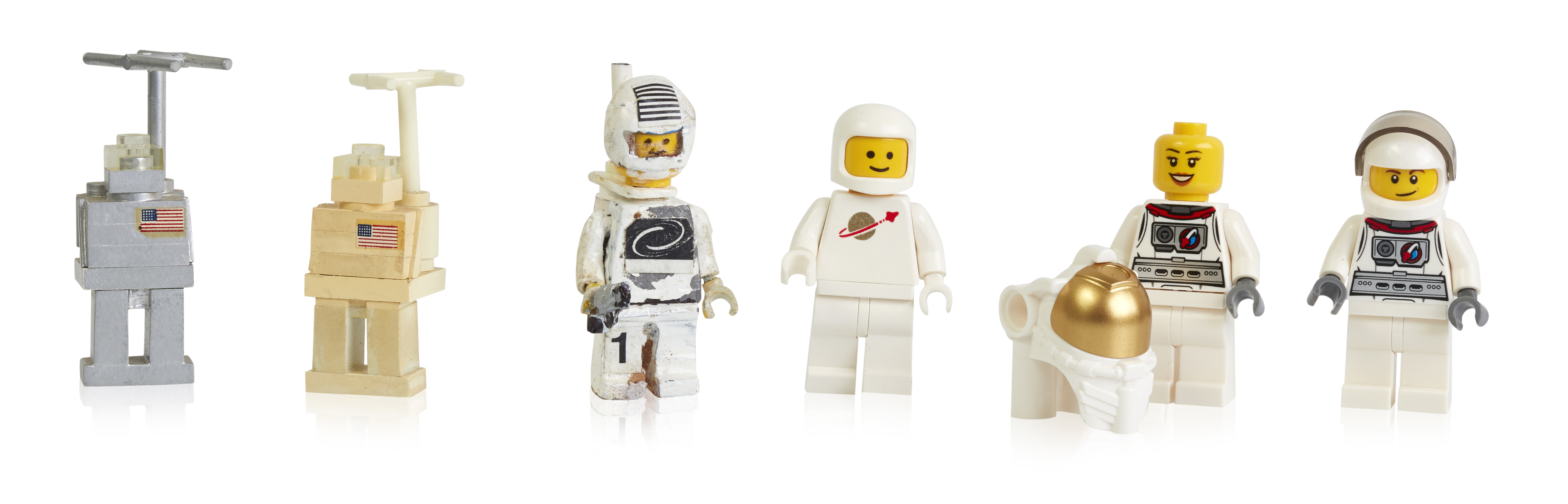 early-prototypes-first-and-more-recent-space-minifigures.jpg