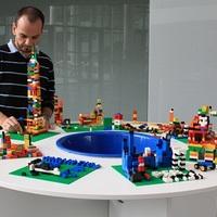 Legoval a kreatív munkavégzésért!