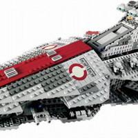 Olvasó játszik: 8039 Venator-Class Republic Attack Cruiser