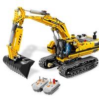 Így készült: 8043 Motorized Excavator (interjú - 1. rész)