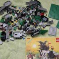 Olvasó játszik: 6066 Camouflaged Outpost