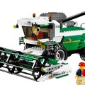 Olvasó játszik: 7636 Combine Harvester