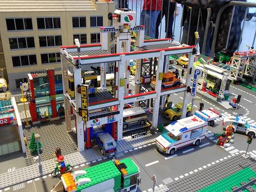 2012 city parkolóház.jpg