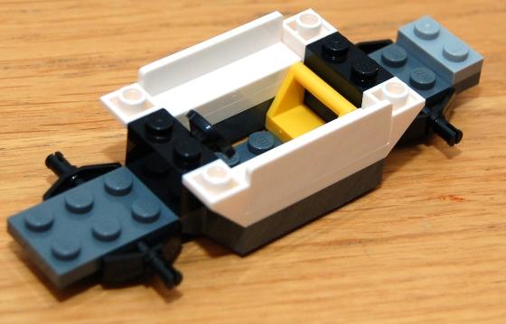3648-lego-police-car-chase-08.JPG