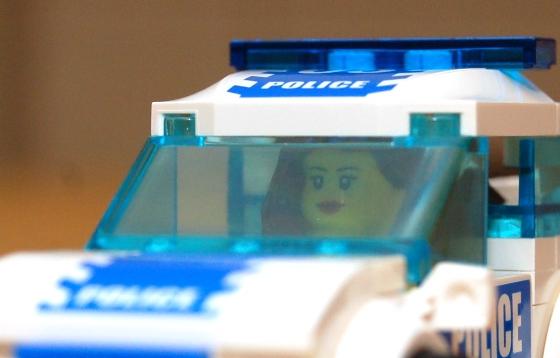 3648-lego-police-car-chase-12.JPG