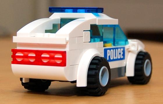 3648-lego-police-car-chase-13.JPG
