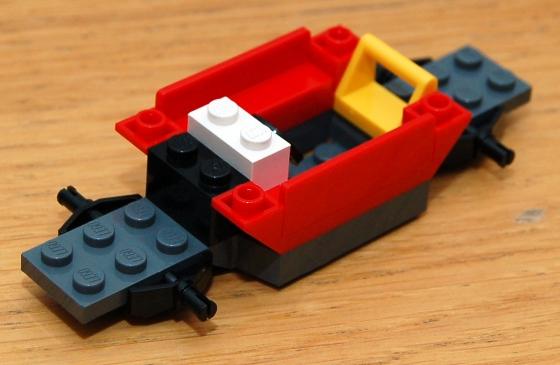 3648-lego-police-car-chase-14.JPG