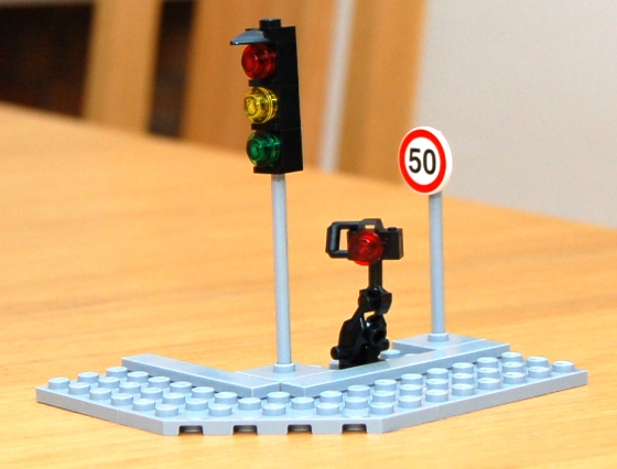 3648-lego-police-car-chase-20.JPG