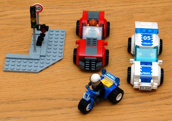 3648-lego-police-car-chase-21.JPG