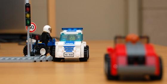 3648-lego-police-car-chase-25.JPG