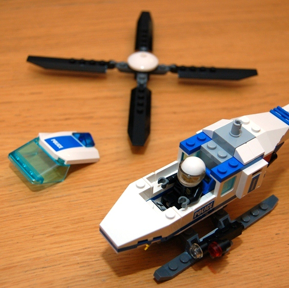 lego-7741-police-helicopter-13.JPG