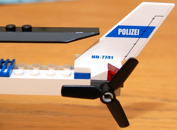 lego-7741-police-helicopter-14.JPG