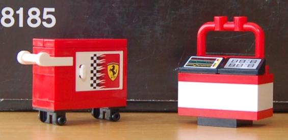 lego-8185-ferrari-truck-07.JPG