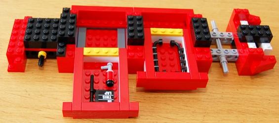 lego-8185-ferrari-truck-16.JPG