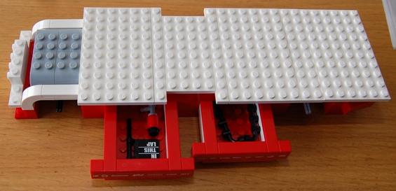 lego-8185-ferrari-truck-17.JPG