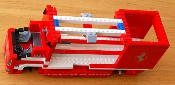 lego-8185-ferrari-truck-22.JPG