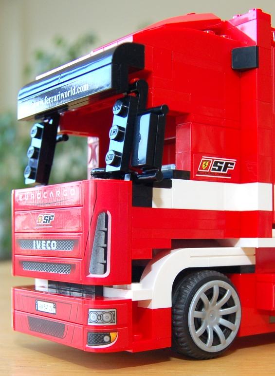 lego-8185-ferrari-truck-29.JPG