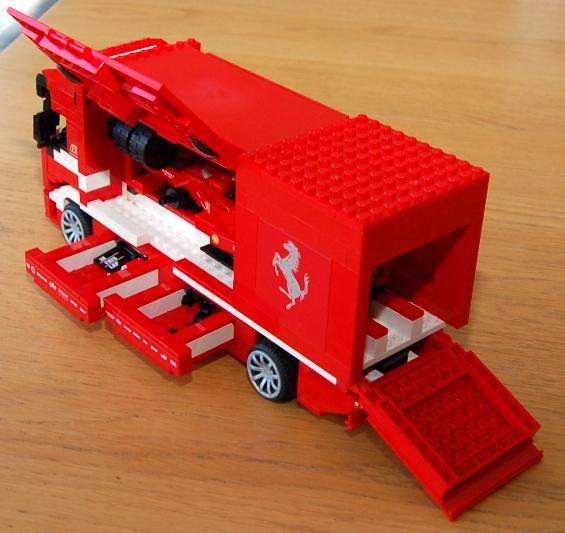 lego-8185-ferrari-truck-35.JPG