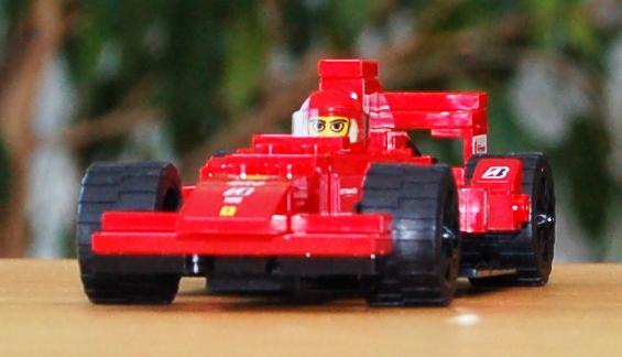 lego-8185-ferrari-truck-38.JPG