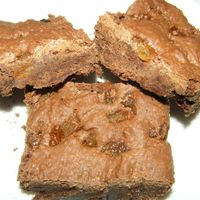 Aszalt sárgabarackos brownie