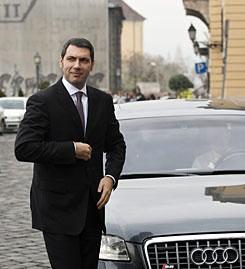 Lázár János Audijával