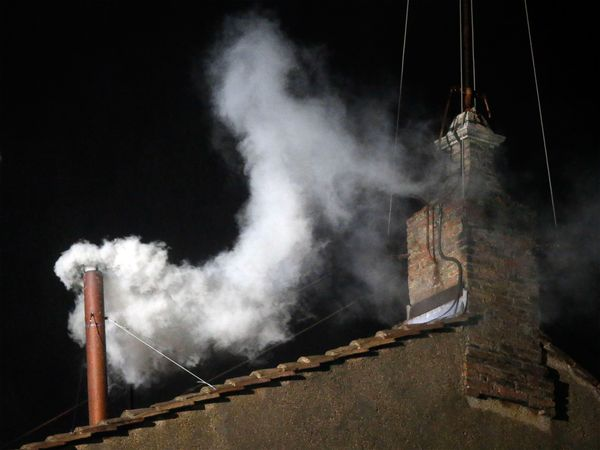 pope-selection-white-smoke_65226_600x450.jpg