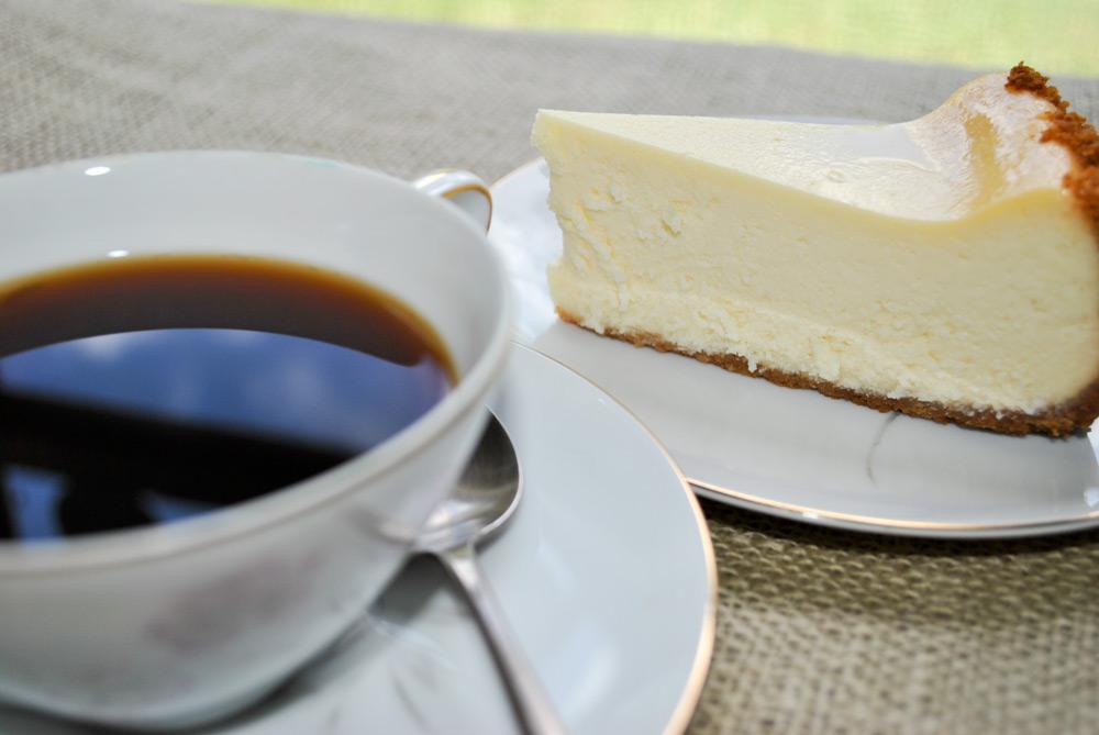 coffeeandcheesecake4.jpg