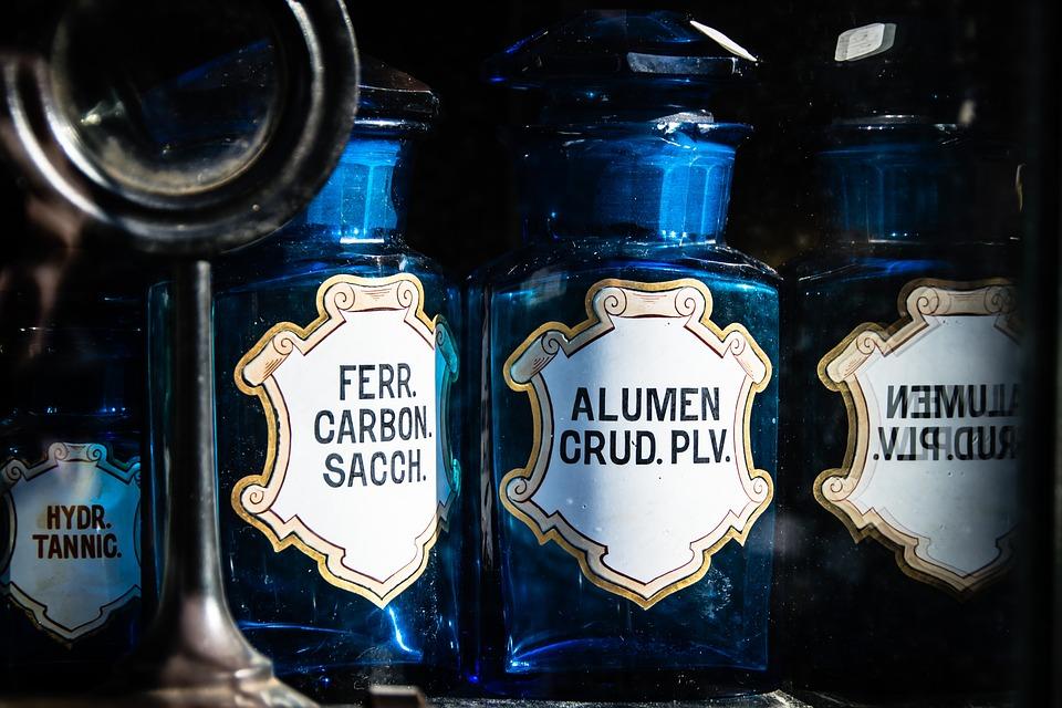 bottles-1262034_960_720.jpg
