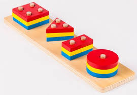 A formák érzékelése a Montessori eszközök által