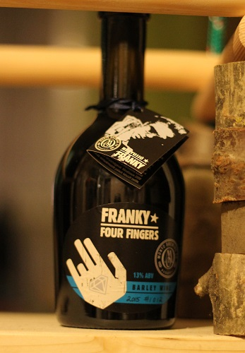 monyo_franky_four_fingers.jpg