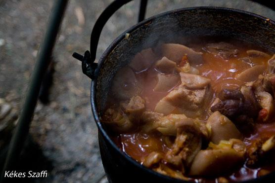 Szeptemberfeszt pörkölt főzés Yello Spots képek