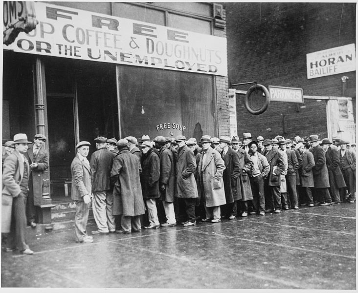 great depression -Unemployed_men_queued_outside_a_depression_soup_kitchen_opened_in_Chicago_by_Al_Capone,_02-1931_-_NARA_-_541927.jpg