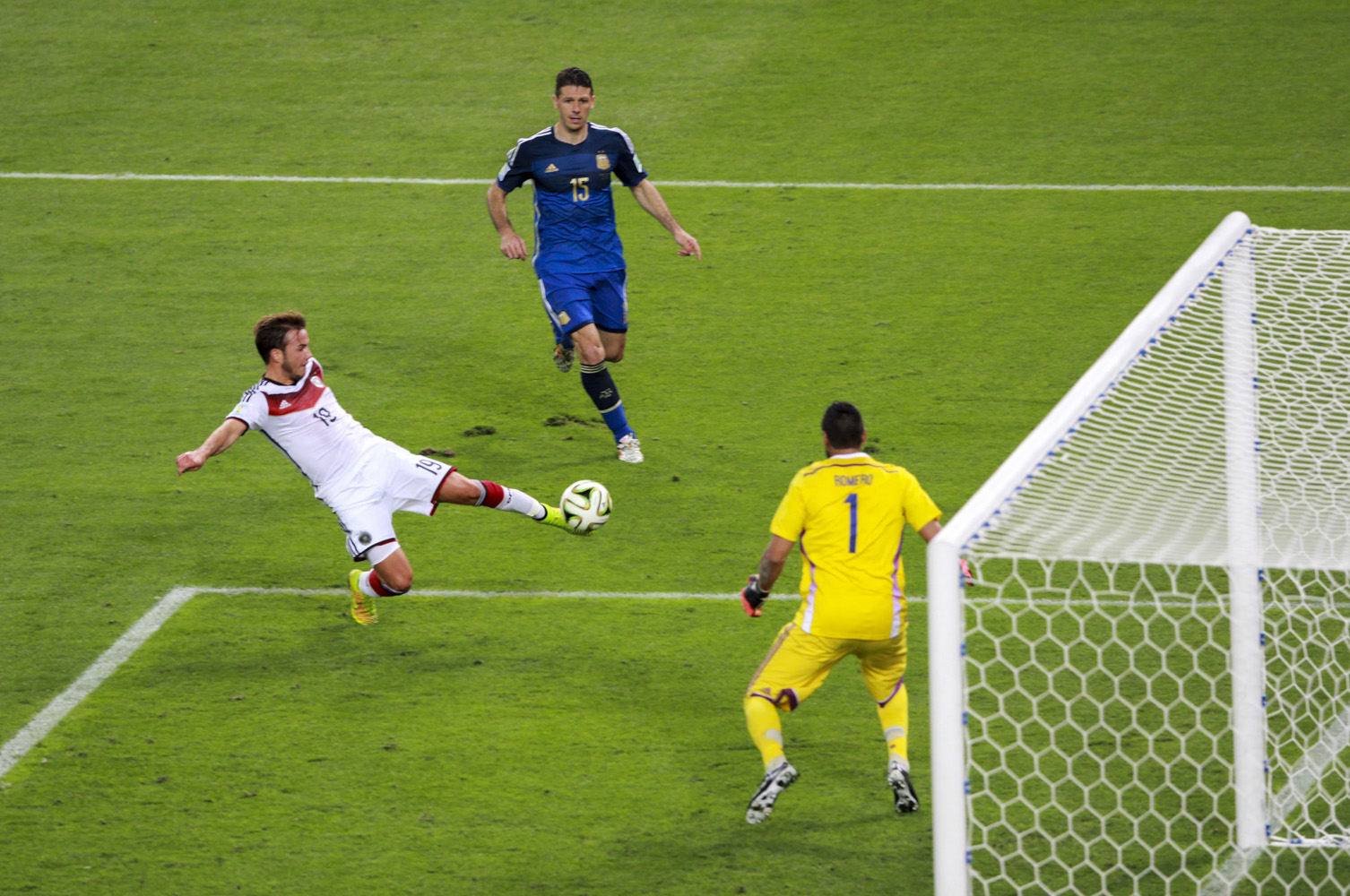 germany_and_argentina_face_off_in_the_final_of_the_world_cup_2014_-2014-07-13_6.jpg