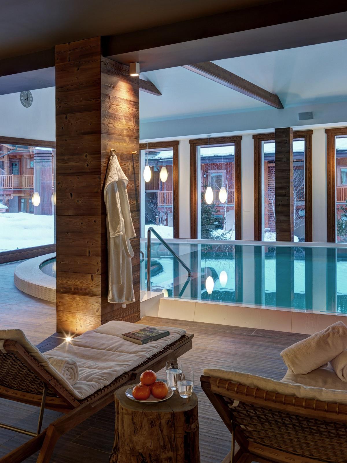 konyhasziget_teli_luxus_hotel_nira_montana_swimming-pool.jpg