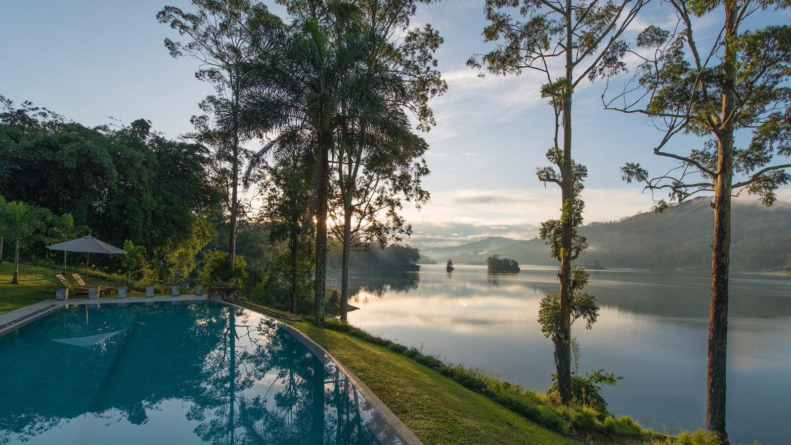 konyhasziget_ut_a_teahoz_summerville-bungalow-pool-castlereagh-lake.jpg