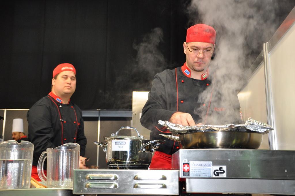 Közétkeztetési szakácsverseny - Mi jön ki 420 Ft-ból?