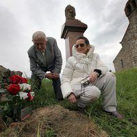 Engedély nélkül temették el Tom Sharpe hamvait