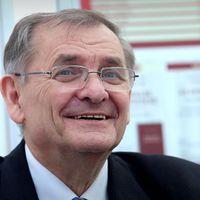 József Attila-díjat kapott Lezsák Sándor