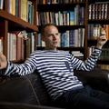 Bödőcs Tibor: A stand-up a csúcs, írásban az egész jéghegyet meg tudom mutatni