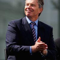Botrányok kísérik Tony Blair memoárkötetének megjelenését