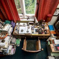 Így néz ki Juhász Ferenc dolgozószobája