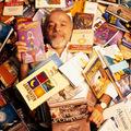 Már nem ciki Coelho? – Öt híresség, aki felvállaltan a Hippit olvassa
