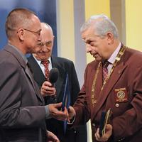 Szilasi László kapta a 2010-es Rotary Irodalmi Díjat