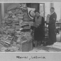 A nácik által elrabolt könyvek egy része még mindig Európa könyvtáraiban porosodik