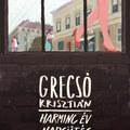 Grecsó hősei a női bokákból olvassák ki a sorsot