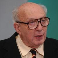 Meghalt John Lukacs történész